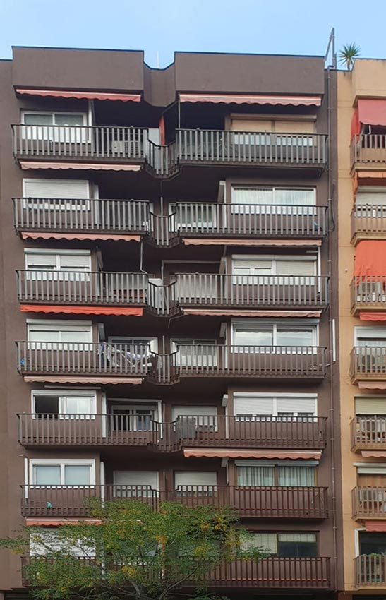 Fachada rehabilitada en Barcelona